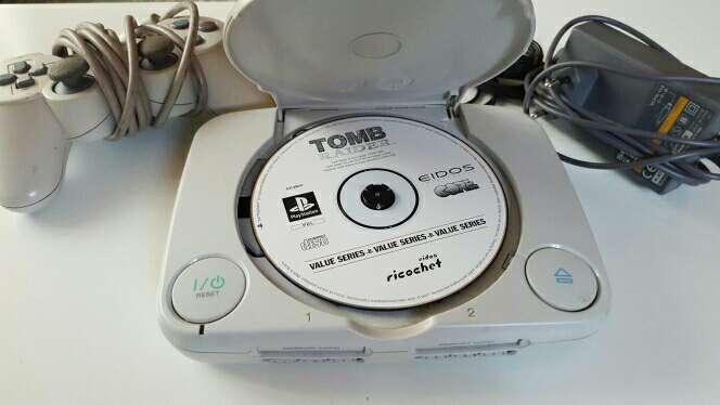 Imagen producto Play 1 + un mando y un juego 2