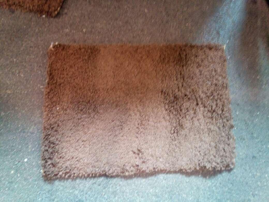 Imagen alfombras marrones