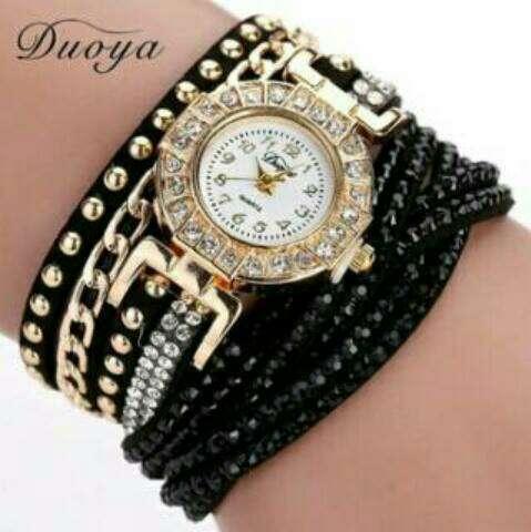 Imagen relojes con pulseras nuevo