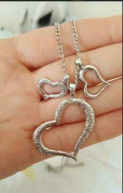 Imagen collar plata nuevo