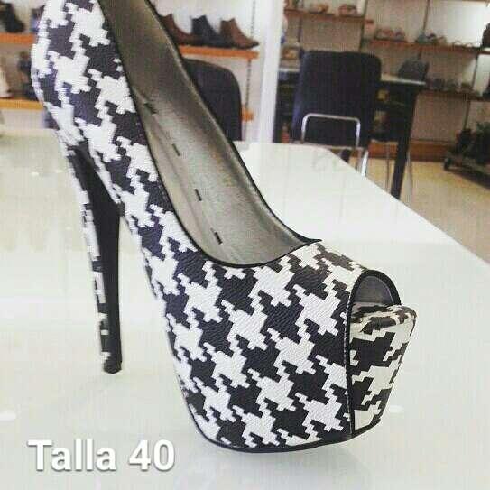 Imagen Zapatos de tacon nuevos