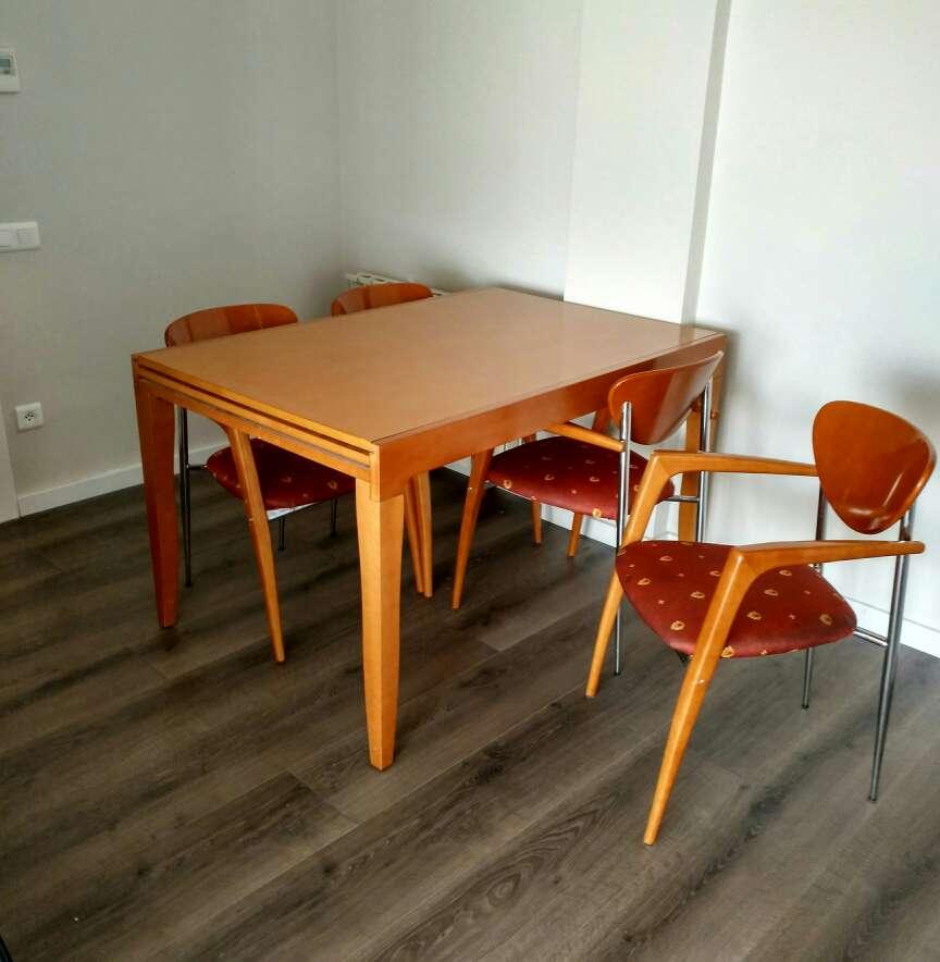 Imagen Mesa y sillas comedor
