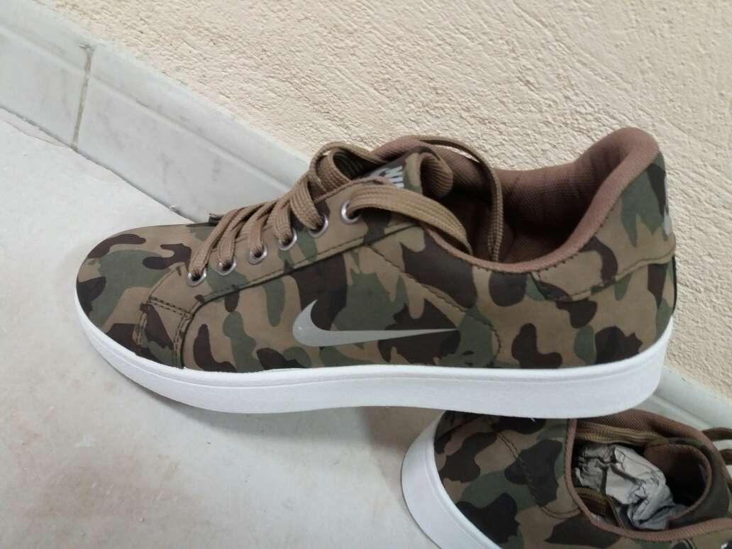 Imagen producto Nike nuevas en colores militar 2