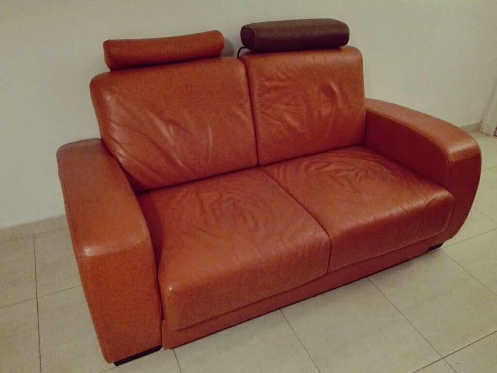 Imagen producto Sofá piel naranja de 2 plazas 4