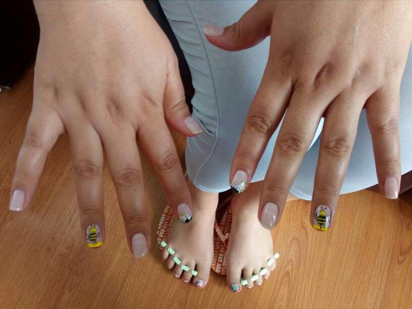 Imagen producto Manicure y pedicure a domicilio 3