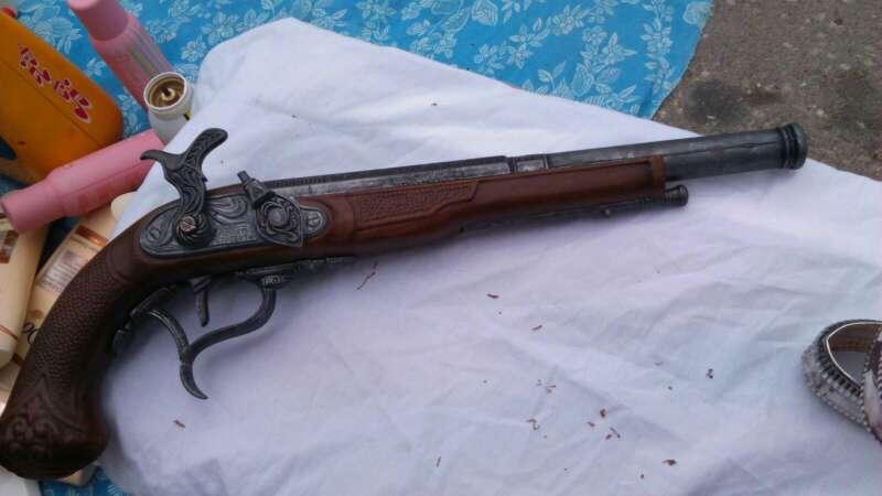 Imagen réplica de pistola del cigulo 18 en perfecto estado