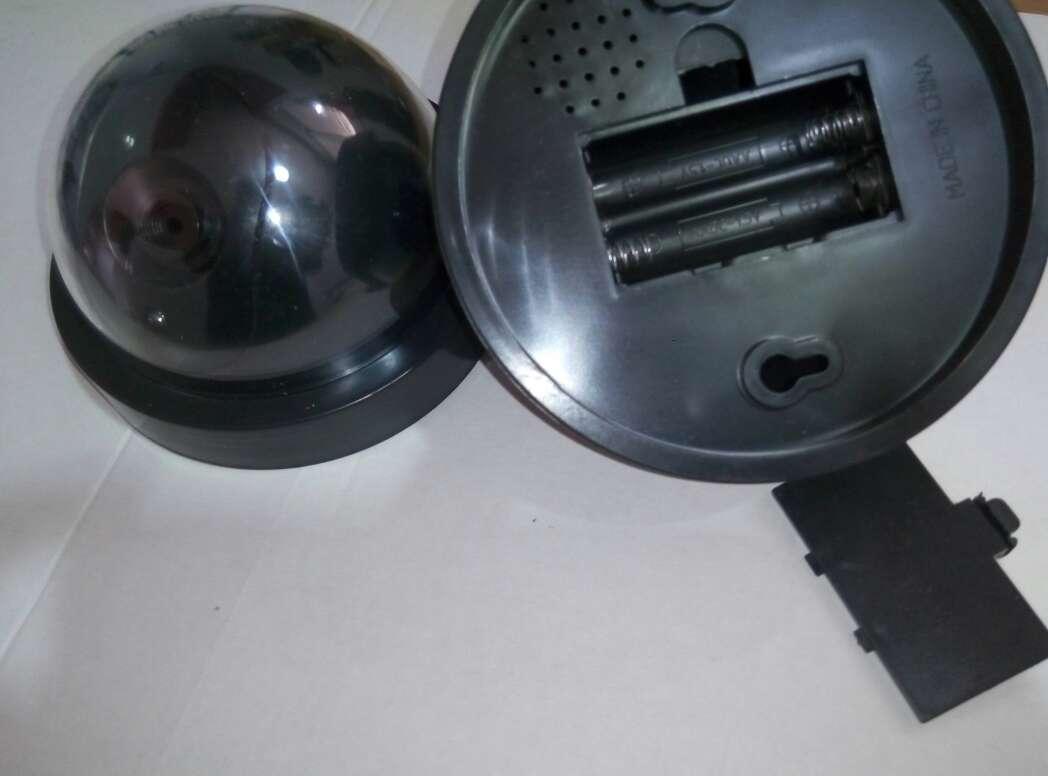 Imagen producto 4 camaras vigilancia ficticias nuevas. 3