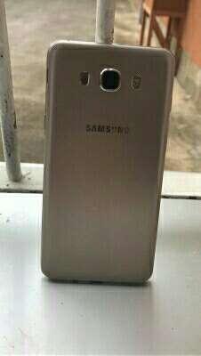 Imagen Samsung J7