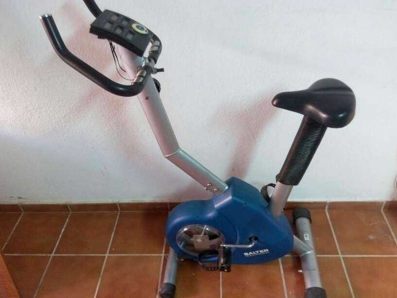 Imagen producto Bicicleta estática salter 1