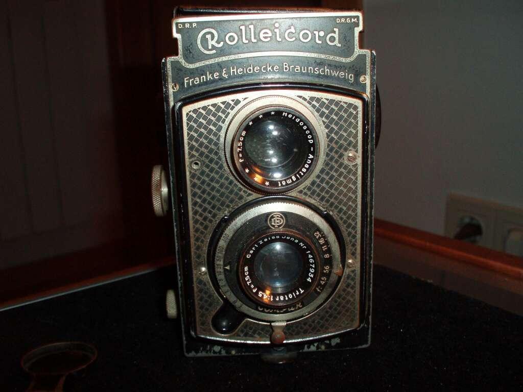 Imagen tres Càmares de fotografiar antigues