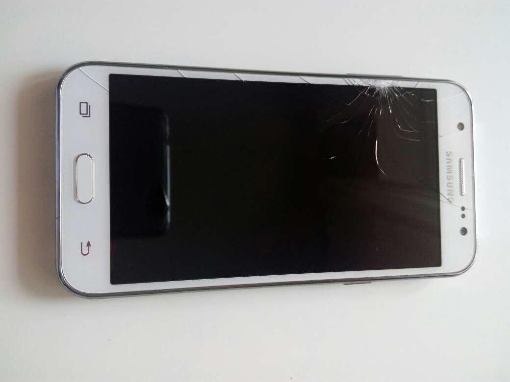 Imagen Samsung Galaxy J5 pantalla rota