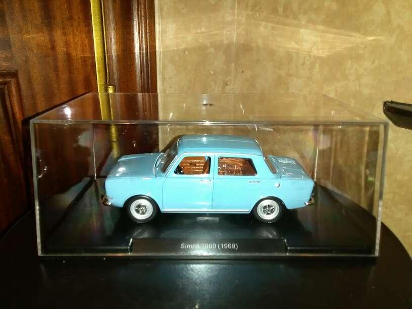 Imagen se vende coche Simca 1000 año 1969 , escala 1/24