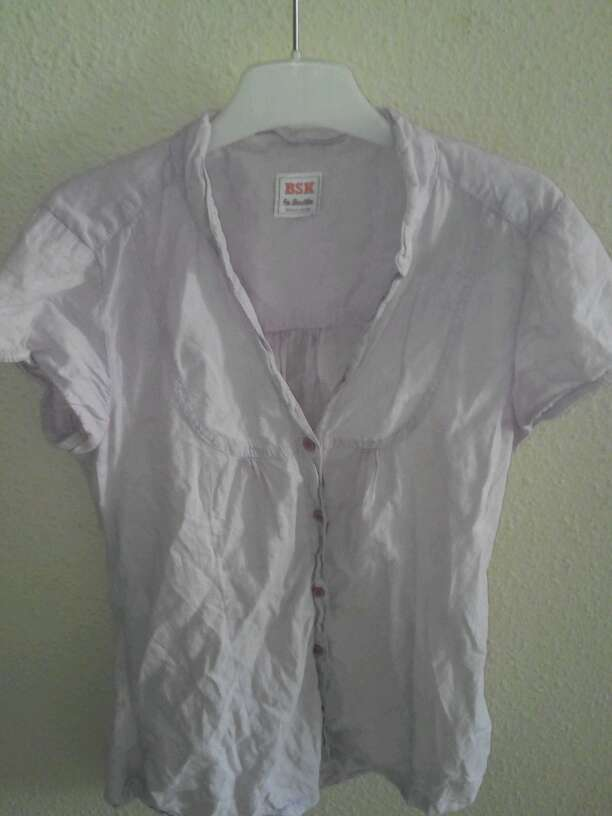 Imagen blusa bershka lila clarito