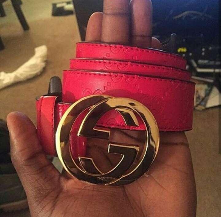 Imagen Red gucci belt