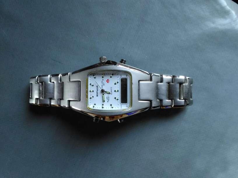 Imagen vendo reloj sin pila