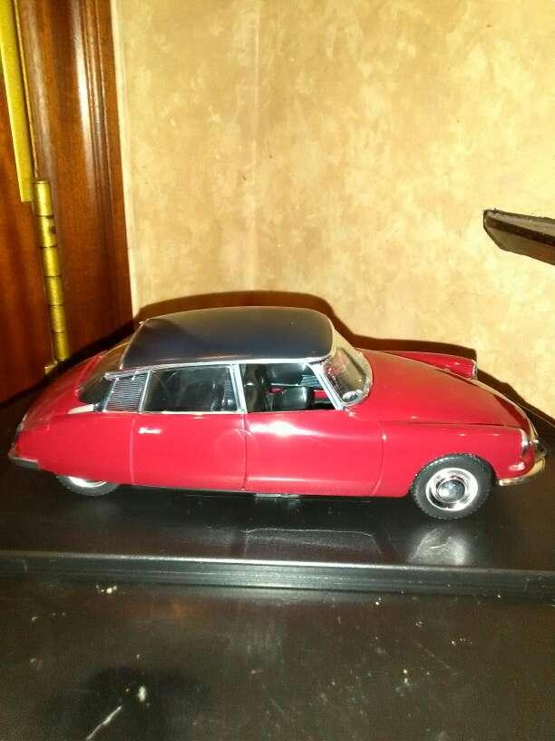 Imagen se vende coche Citroen CS 19 año 1959 escala ,1/24