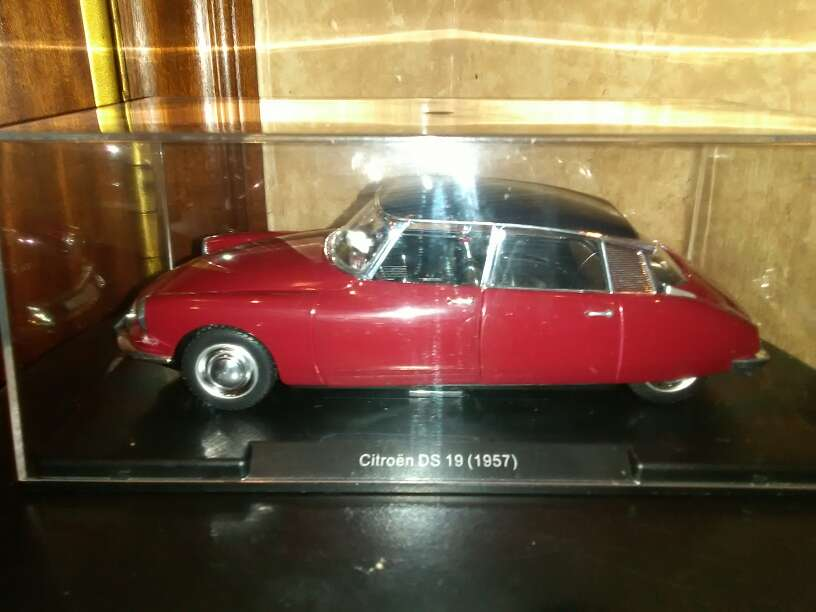 Imagen producto Se vende coche Citroen CS 19 año 1959 escala ,1/24 2