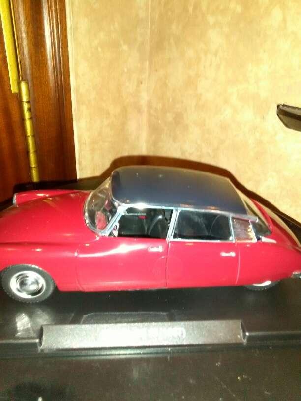 Imagen producto Se vende coche Citroen CS 19 año 1959 escala ,1/24 4