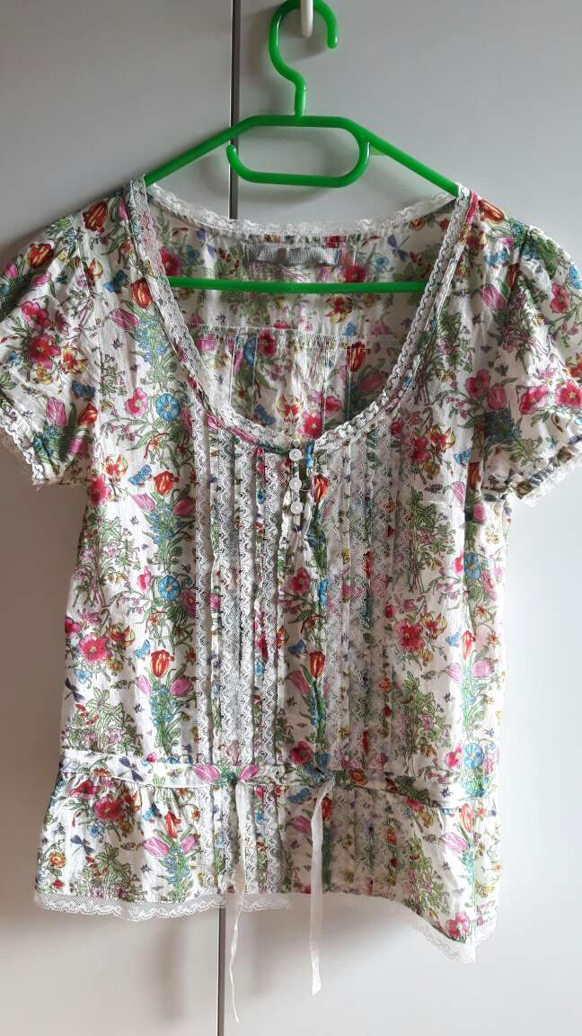 Imagen producto Blusa floral de Sfera 3