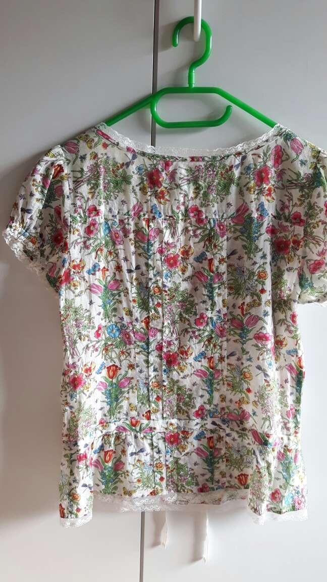 Imagen producto Blusa floral de Sfera 4
