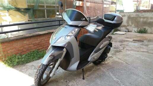 Imagen moto Peugeot geopolis ejecutiva 125