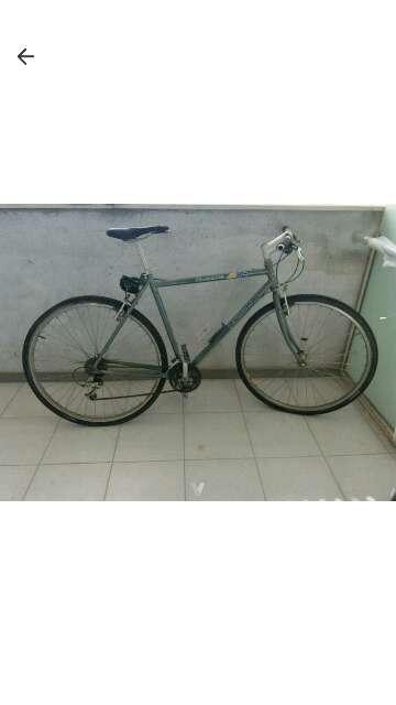 Imagen Bici Riverside 700 con candado