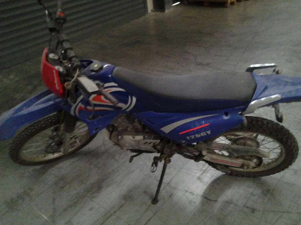 Imagen producto Moto de 125 Cc 3