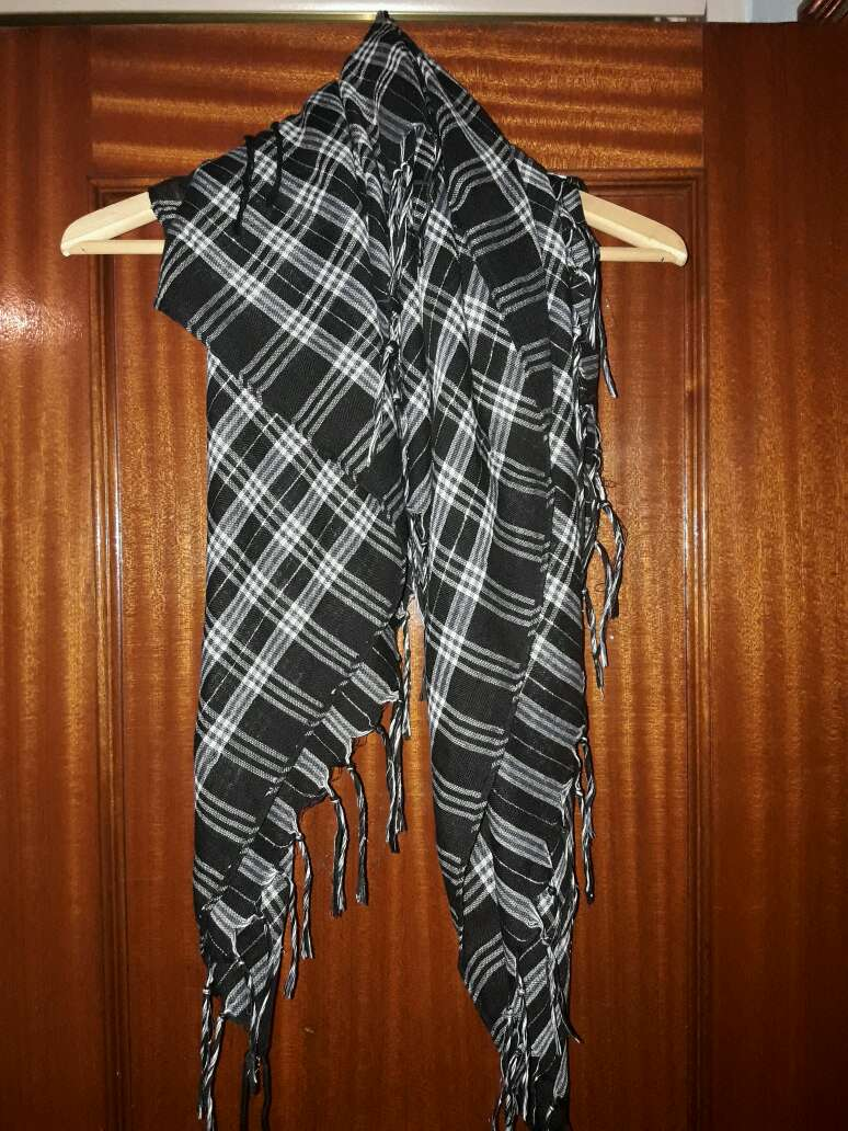 Imagen foulard negro y blanco