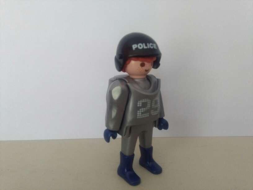 Imagen playmobil policia