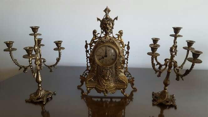 Imagen Reloj y Candelabros