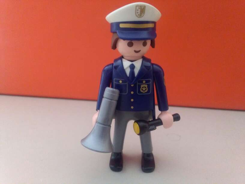 Imagen producto Playmobil policia 1