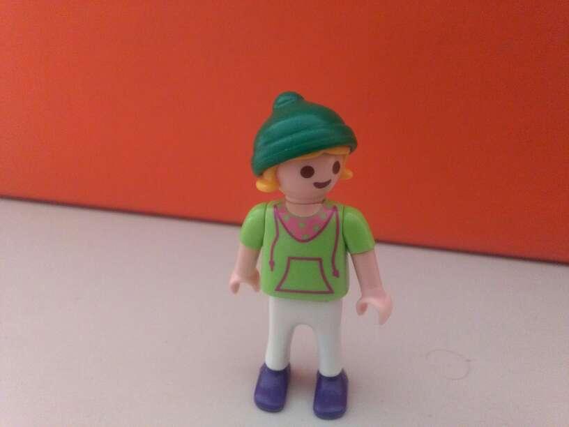 Imagen playmobil niña montana