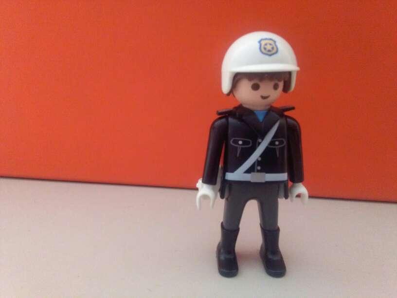 Imagen playmobil policia trafico