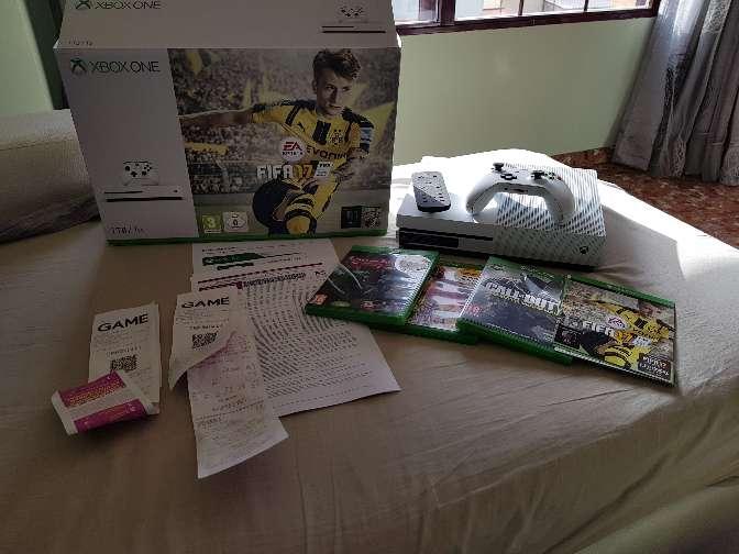 Imagen Xbox one s 4k con 4 juegos