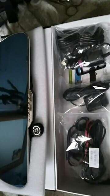 Imagen espejo retrovisor coche con cameras, GPS, wifi, bluetooth