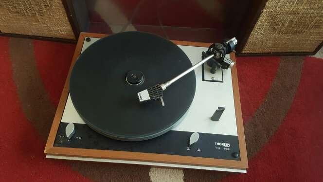 Imagen producto Radio tocadisco antigua  2