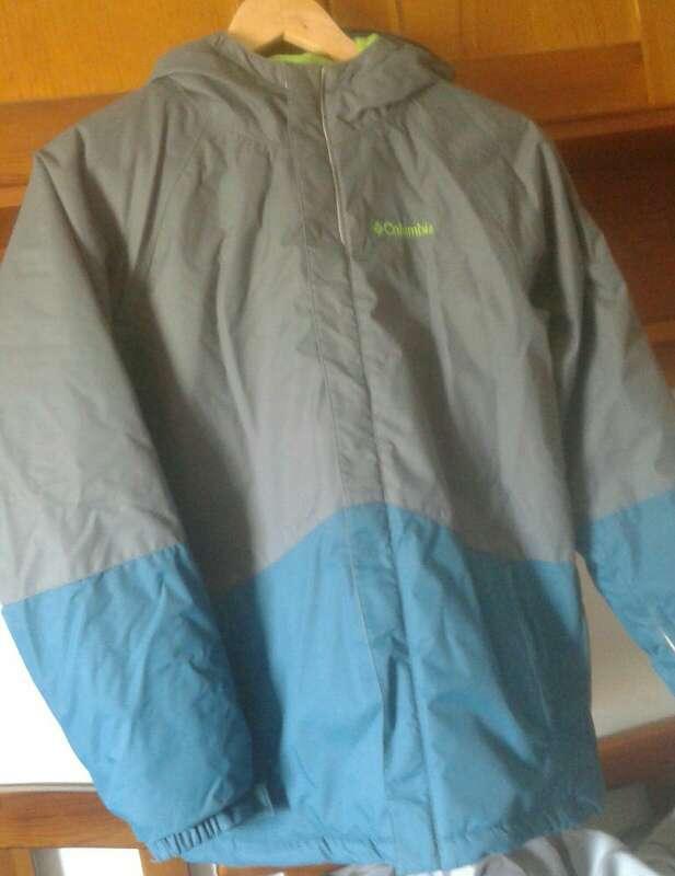 Imagen Vendo abrigo Columbia.