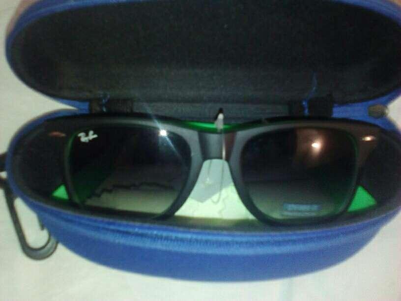 Imagen gafas de sol nuevas