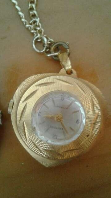 Imagen relojes viejos
