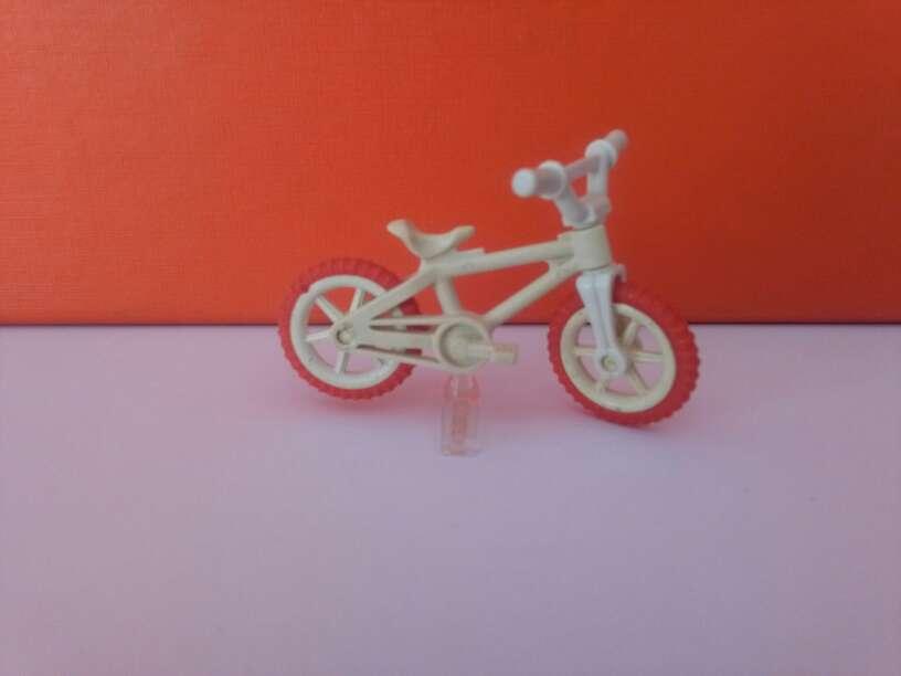 Imagen playmobil bicicleta banca niño