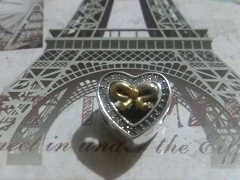 Imagen Charms (Corazón con Lazo)