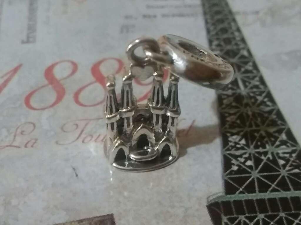 Imagen Charms (Sagrada Familia)