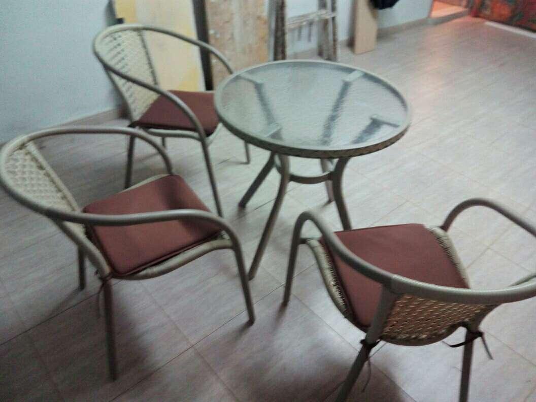 Imagen producto Vendo mesa y sillas de jardin o terraza  2