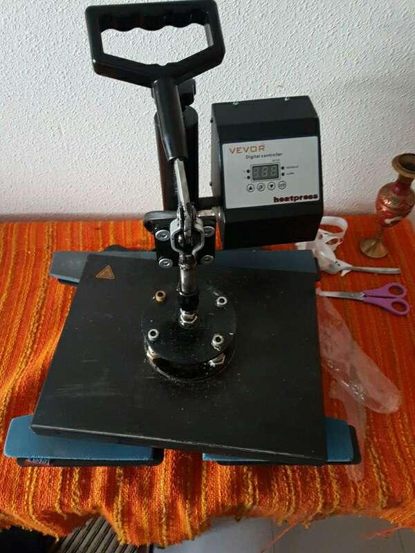 Imagen maquina transfer zapatillas y ropa 38×38 .