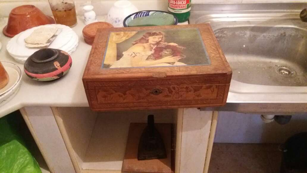 Imagen producto Caja madera antigua 4