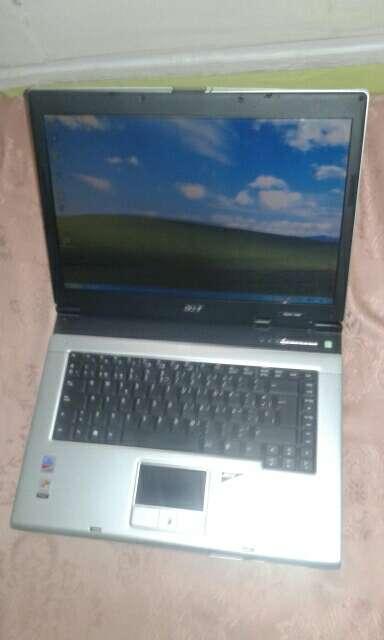 Imagen portátil Acer antiguo