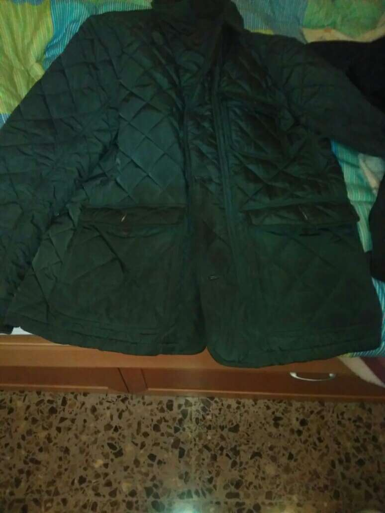 Imagen abrigos de emidio tucci y Roberto bassi de hombre+abrigo de niña de zara + pijamas de chica