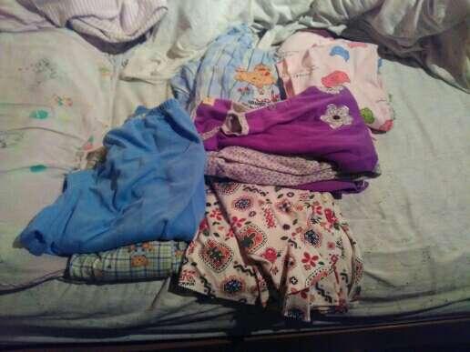 Imagen producto Abrigos de emidio tucci y Roberto bassi de hombre+abrigo de niña de zara + pijamas de chica 4
