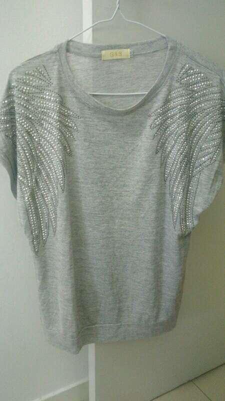 Imagen producto Camiseta mujer fashión como nueva 2