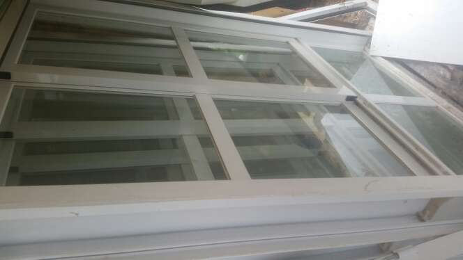 Imagen producto Ventanas, puerta y ventanal de aluminio 4
